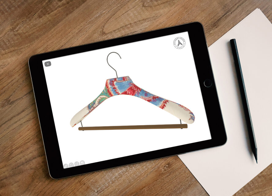Authentiques Paris offers 3D customization of their luxury hangers